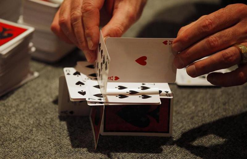"""Самый большой """"карточный домик"""""""