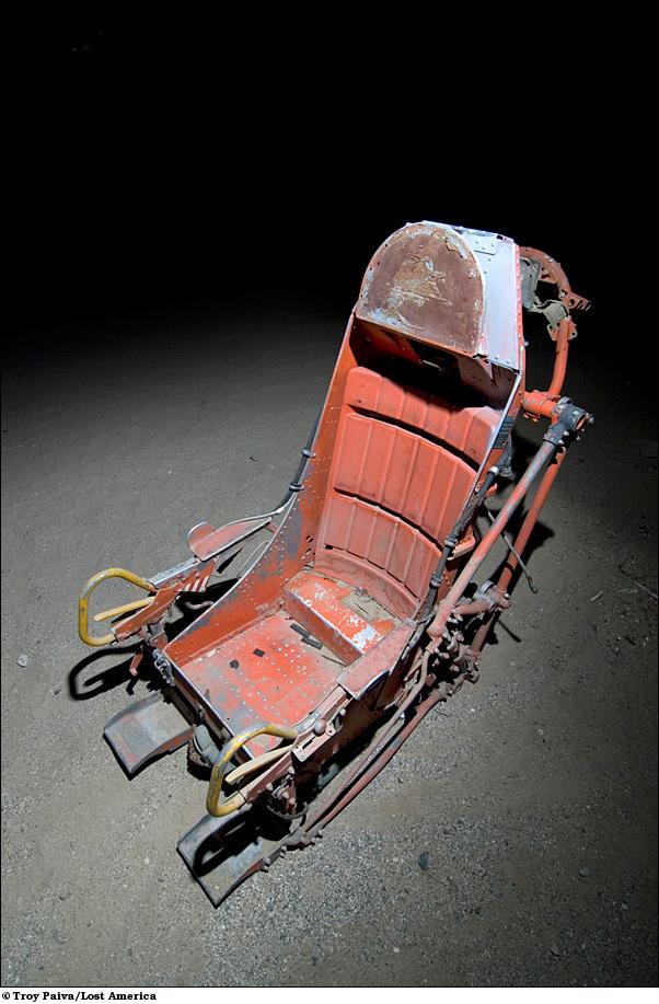 Кресло-катапульта самолета времен 1950-х гг