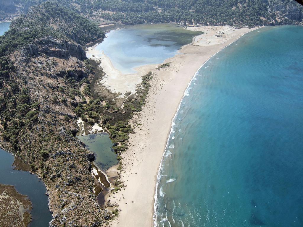 Четвертое  место — Далян (Турция) — расположен при впадении реки Далян в Эгейское море
