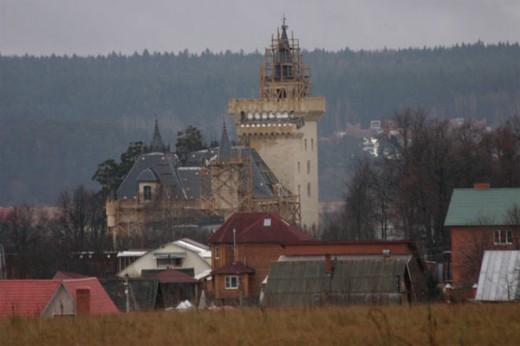 Замок Максима Галкина говорит о расстройстве личности
