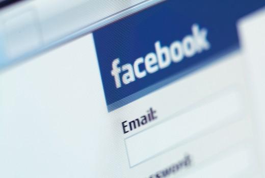 Соцсеть Facebook сделает из записей пользователей рекламную площадку