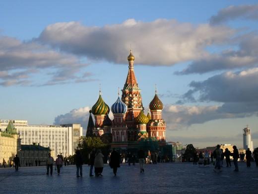 На разгон облаков над столицей выделят 150 миллионов рублей