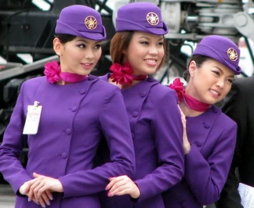 Гонконгские стюардессы будут изучать кунг-фу