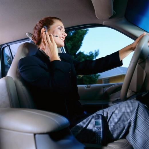 Осторожно! Женщина за рулем!