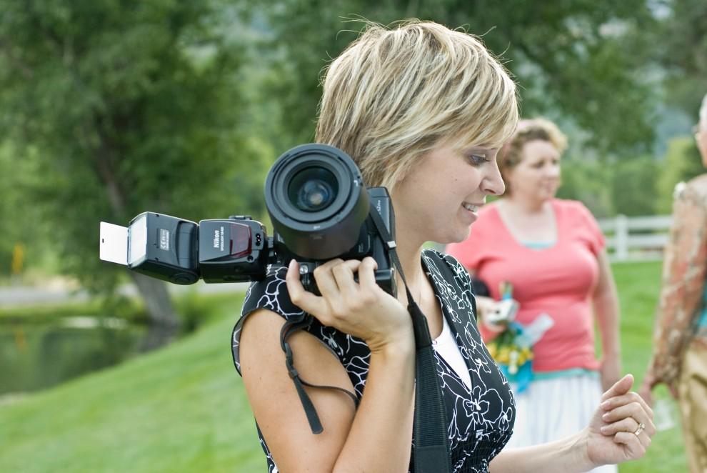 Яркая ли вспышка у свадебного фотографа