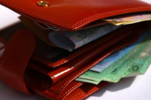 Кто считает зубы, зарабатывает больше, кто считает деньги - живет на минималку...