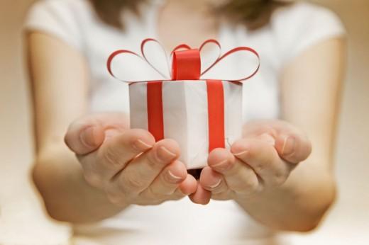 Трудная это работа – дарить подарки