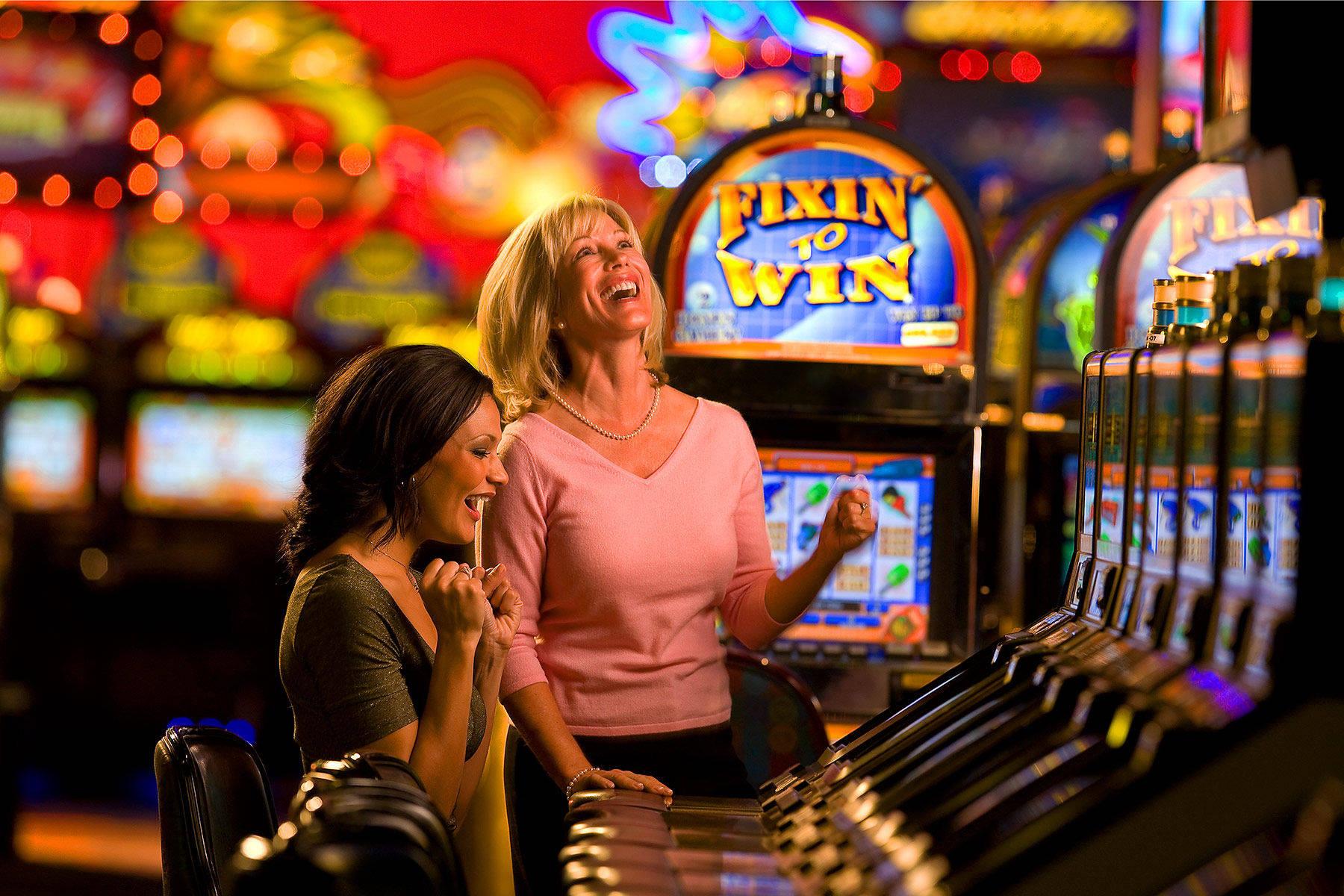 Интернет казино игровой зал игровые автоматы украины онлайнi