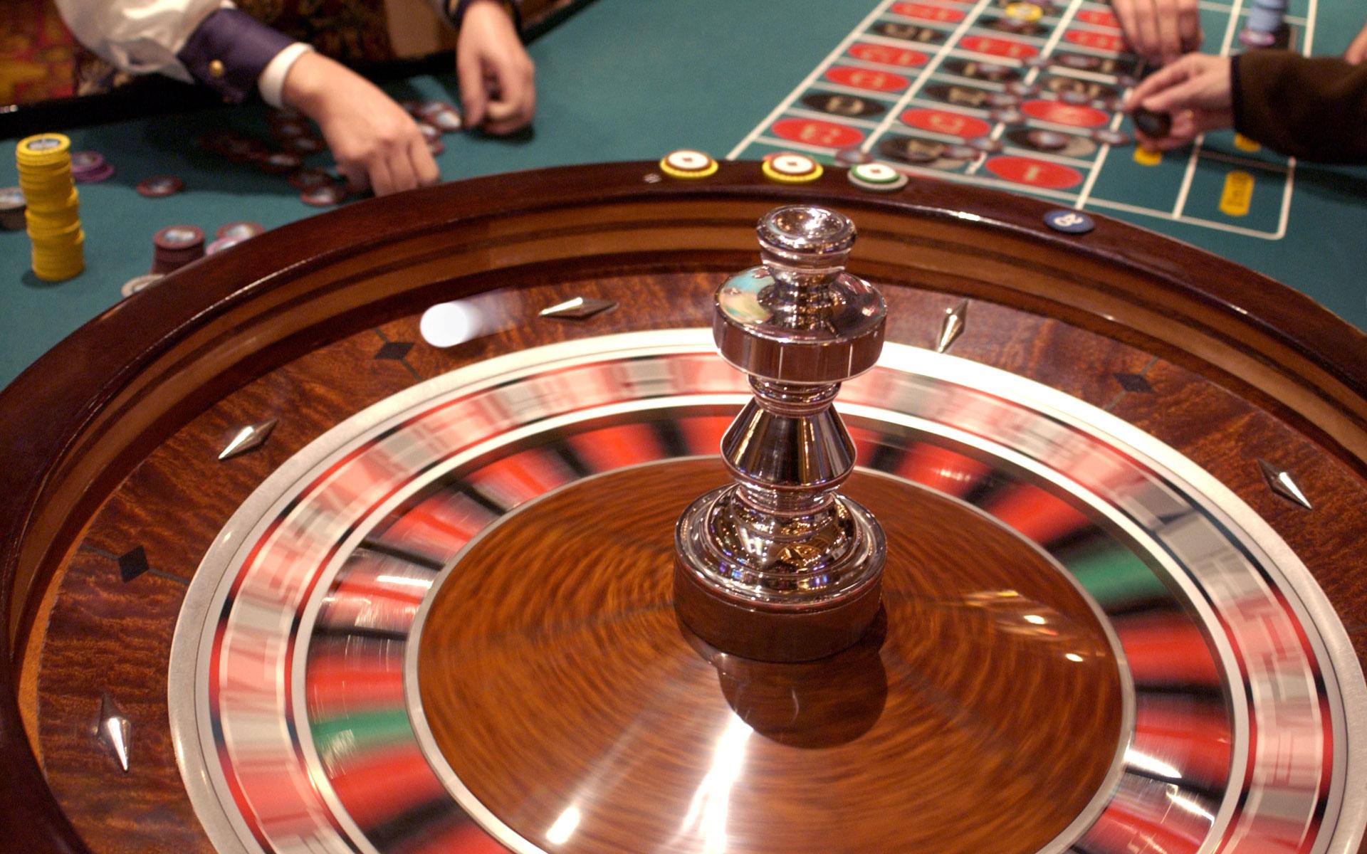 время играть в карты покер