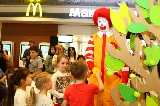 Проводить вместе время, приглашает сеть ресторанов «Макдоналдс»