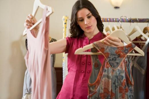 Где удобней всего покупать одежду?