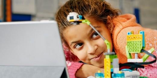 LEGO® Education предлагает воспользоваться учебно-методическими материалами  Maker