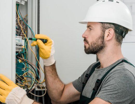 Как найти хорошего электрика в Киеве?