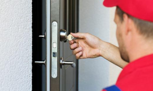 Преимущества службы аварийного вскрытия замков и дверей