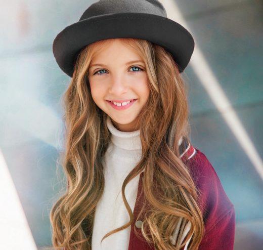 Невероятный сказочный мир дарит София Берг с песней «Dreams»