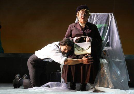 26 и 27 июня на сцене МХАТ им. Горького спектакль «Жизнь впереди»