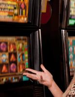 Чем интернет-казино вызывают интерес игроков?