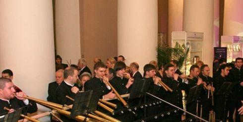 «Русские сезоны» представили российский роговой оркестр в Италии