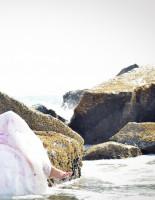 Фотосессия для смелых под названием: «Уничтожить свадебное платье!»