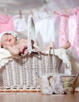 Как стирать вещи новорожденных