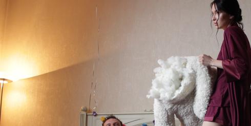 Роль стервы примерила на себя в новом клипе Марина Бриз