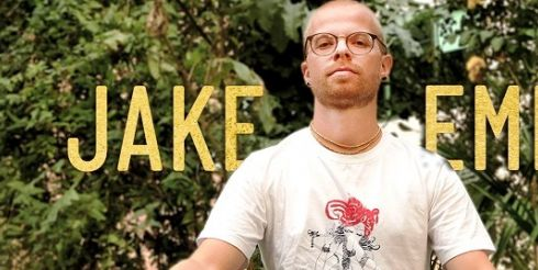 Человек способен изменить свою жизнь: Jake Emlyn исполнил песню «Digging For Gold»