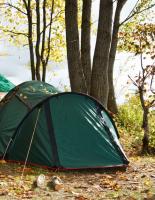 Особенности осеннего отдыха на природе, выбор палатки