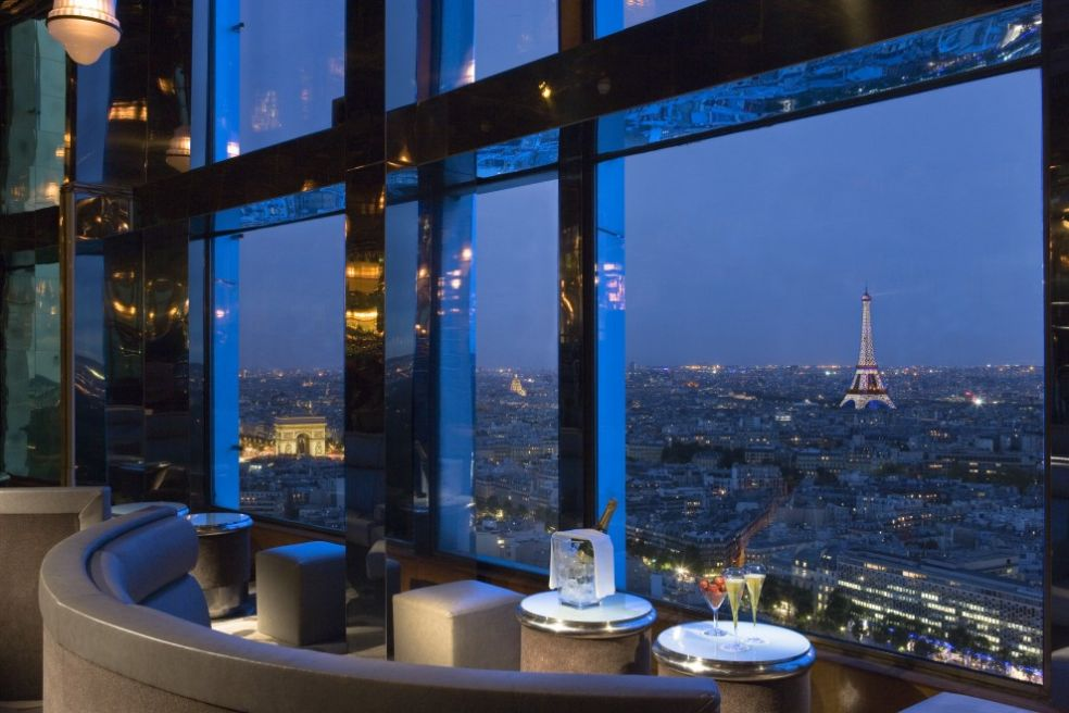 """Бар """"Панорама"""" с видом на Париж"""