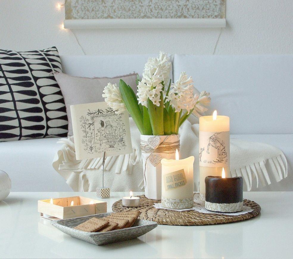 Свечки для натюрморта на кофейном столике