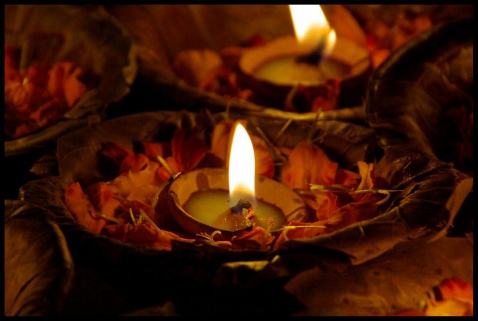 Венки со свечами в Индии