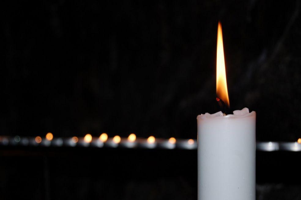 Свечи в церкови Темппелиаукио