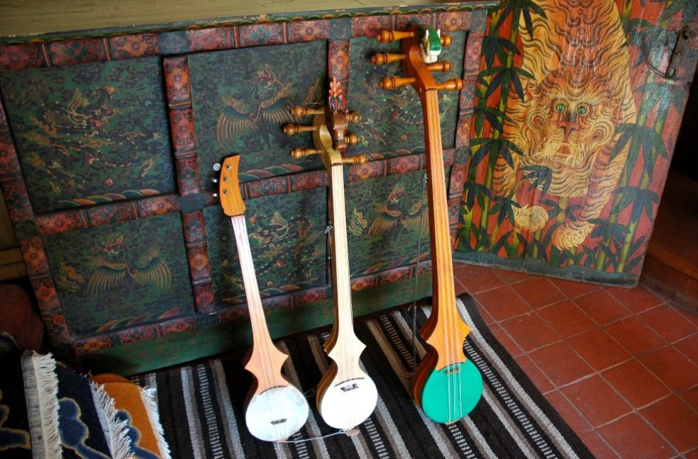 Тибетские и непальские гитары