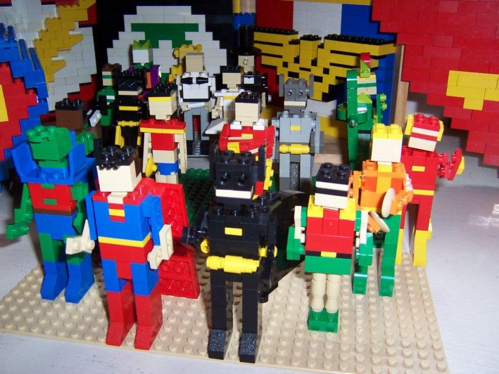 Супергерои из Лего