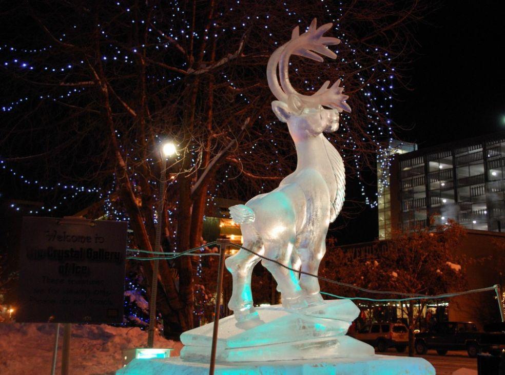 Статуя бабочки на Фестивале ледяных фигур в Плимуте