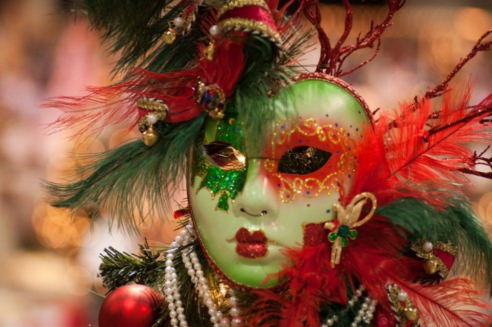 Рождественская маска из Юты