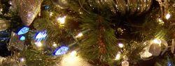 Последняя тенденция новогодней моды — елка в православном стиле