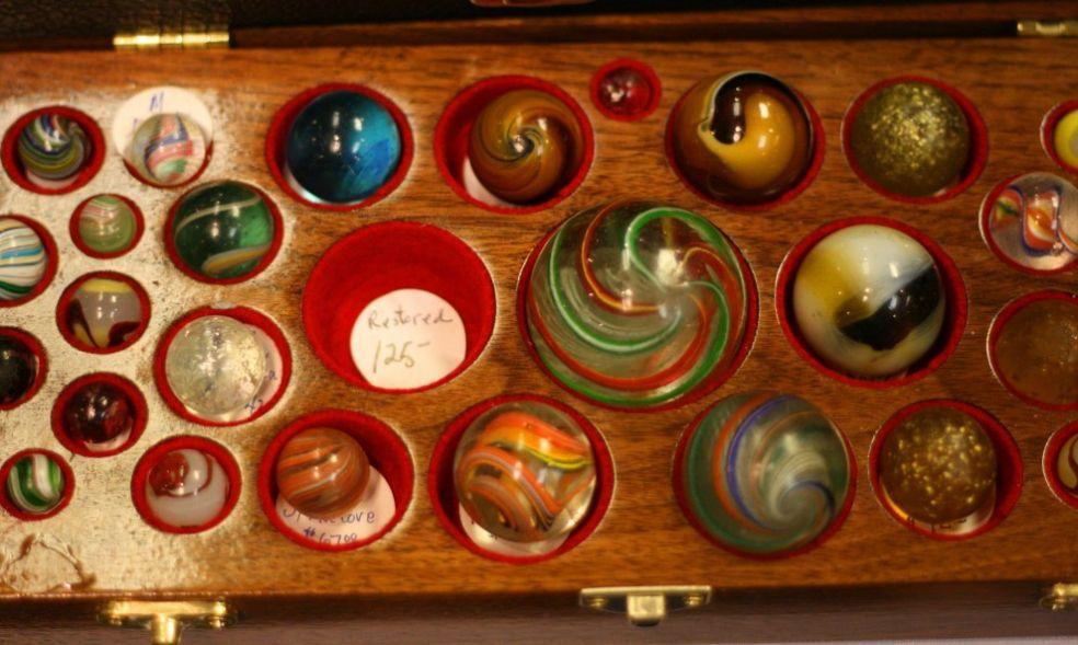 Коробочка с коллекцией марблс