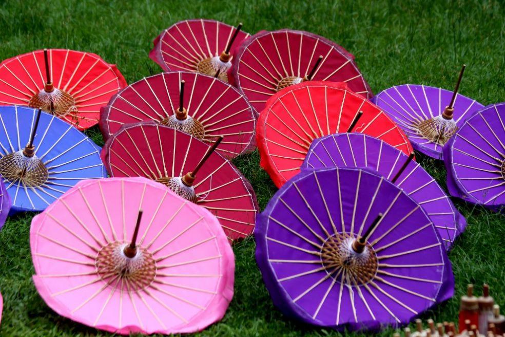 Деревня зонтиков в Тайланде
