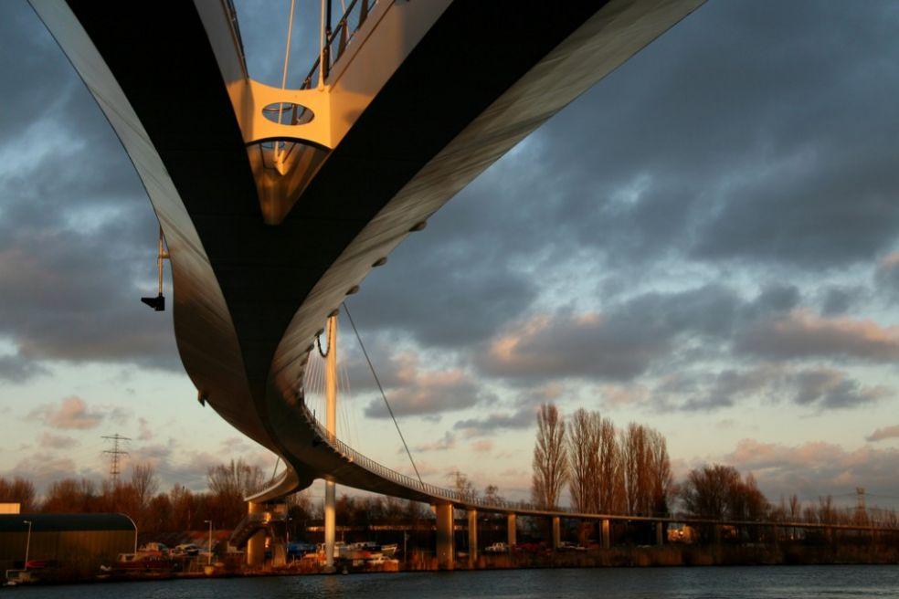 Мост Нессио, Амстердам