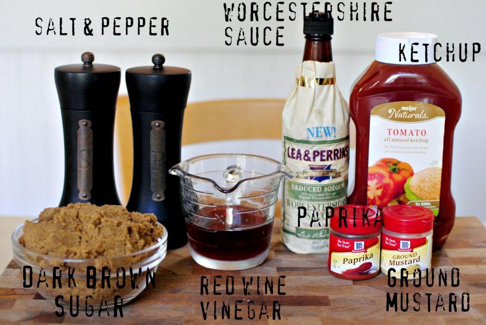 Вустерширский или ворчестерширский соус (пряный, сильно концентрированный, кисло-сладкий соус), соль и перец, томатный кетчуп, паприка, темный сахар, уксус из красного винограда, горчица