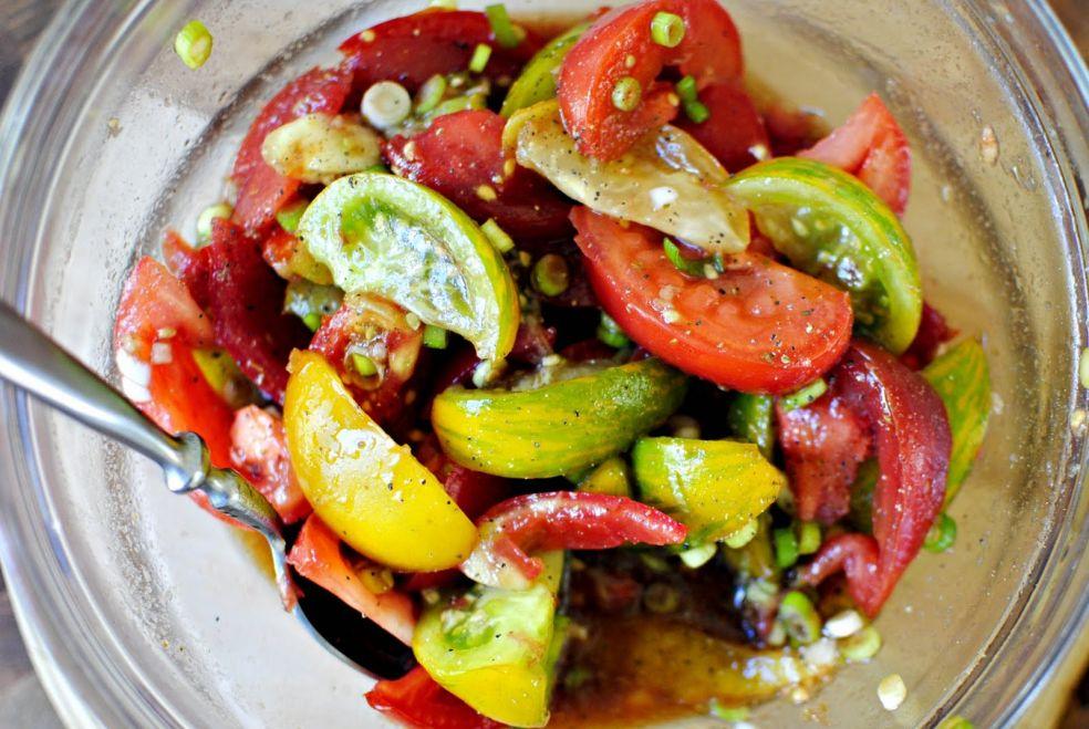 Особый салат из томатов фото-рецепт