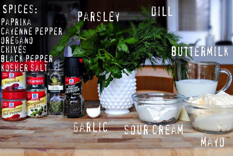 Специи: паприка, кайенский перец, орегано, зеленый лук, черный перец, соль крупного помола, петрушка, укроп, чеснок, а также сметана, сливки, майонез